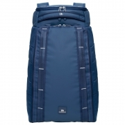 The Hugger 30L in Deep Sea Blue